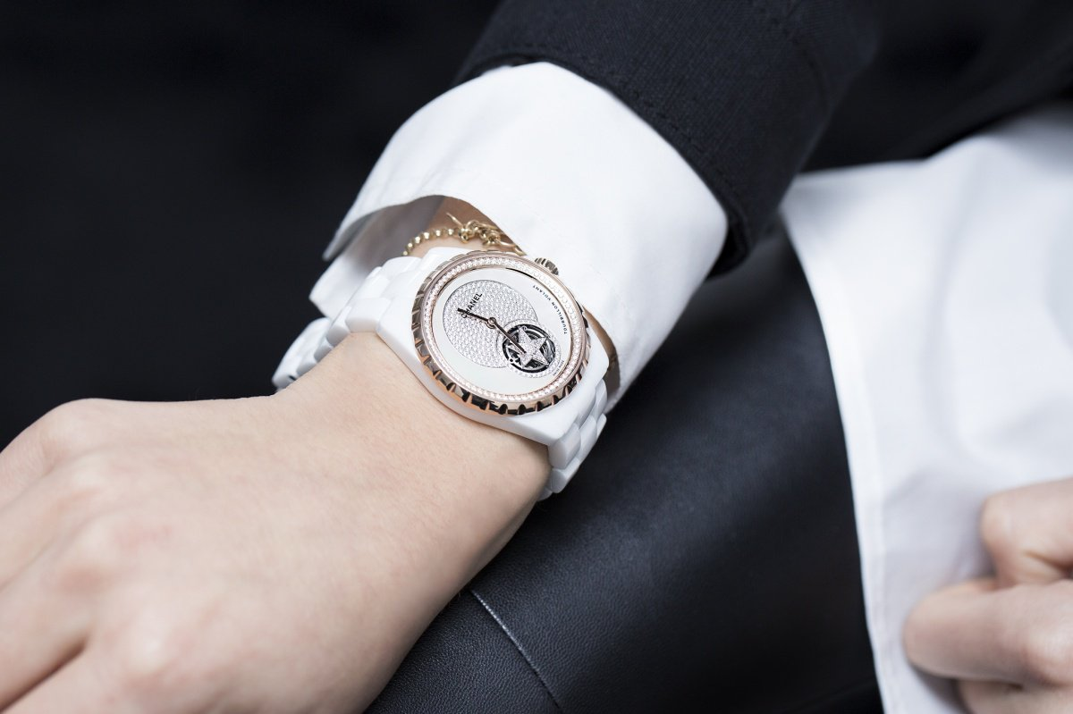 Chanel J12 Flying Tourbillon witte wacht Baselworld 2015 pols