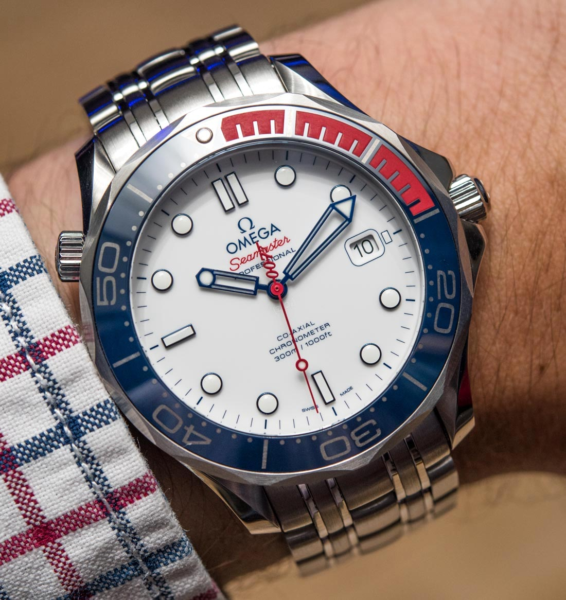 7942c725061 Omega Seamaster Diver 300M  Commander s Watch  Limited Edition Inspired By  James Bond 007 Hands