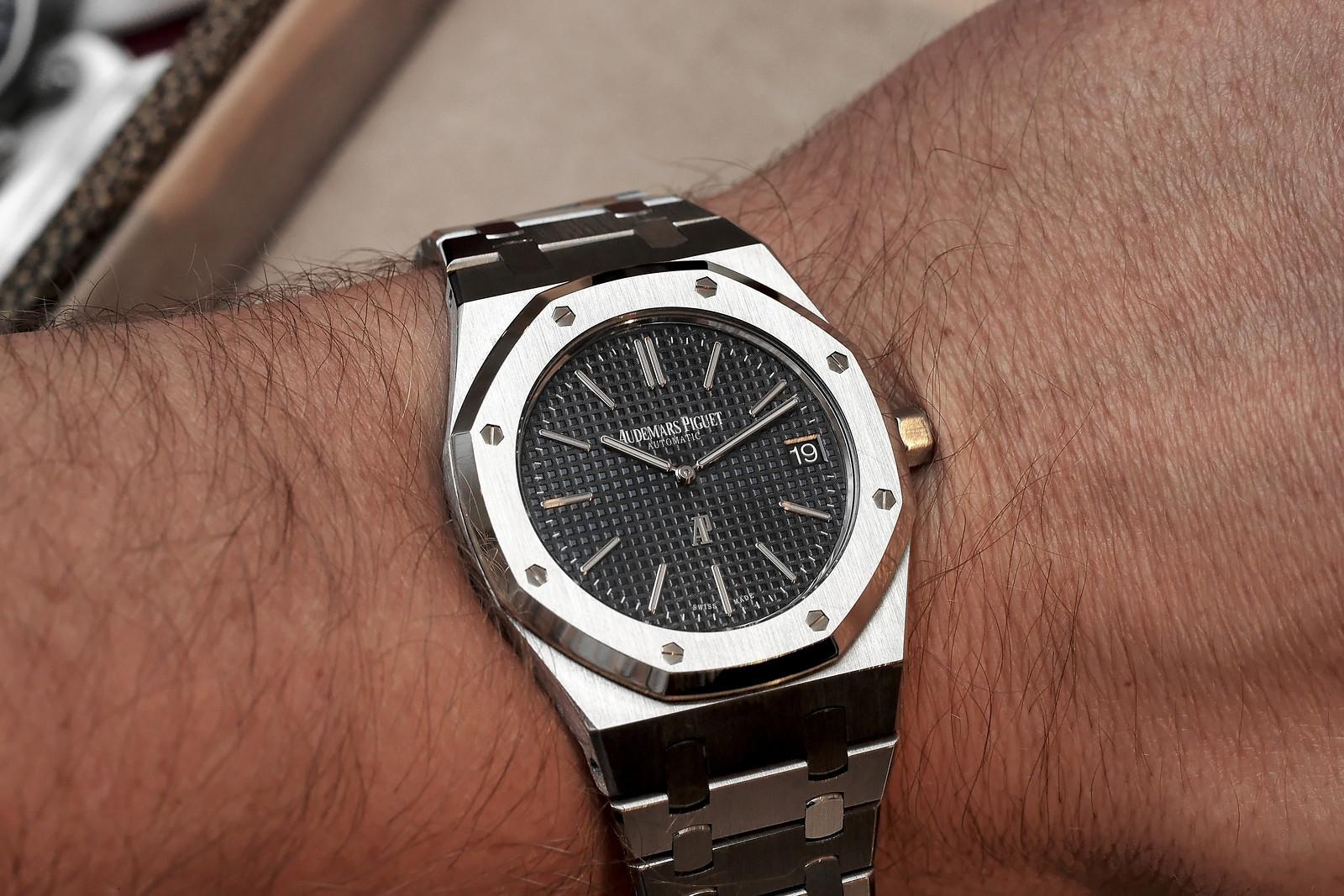"bd9134723760 A watch catches eveyone s eyes -Audemars Piguet Royal Oak Extra-Thin ""Jumbo"""