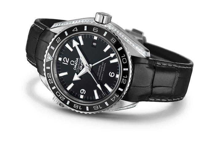Side of Omega Seamaster Planet Ocean 43.5 mm GMT 02
