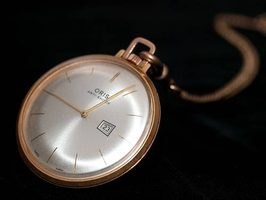 How to wear a pocket watch properly and in fashion & How to wear a pocket watch properly and in fashion - Swiss AP ...