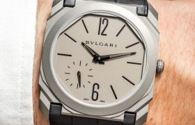 Bulgari-Octo-Finissimo-Automatic-Thinnest-Titanium-Sand-Blasted-2017-aBlogtoWatch-2